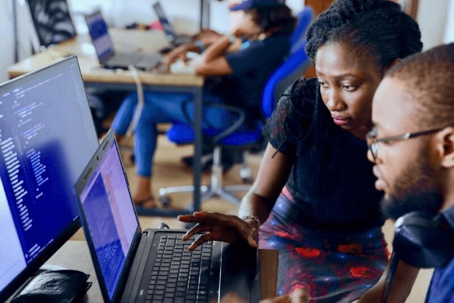 Kỹ sư phần mềm (Software Developer) là ai? Họ làm những công việc gì?