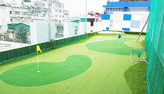 Sân thượng kết hợp mini golf